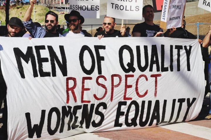 Rompere il soffitto di vetro: la Behavioral Economics a sostegno della parità e dell'inclusione di genere sul luogo di lavoro