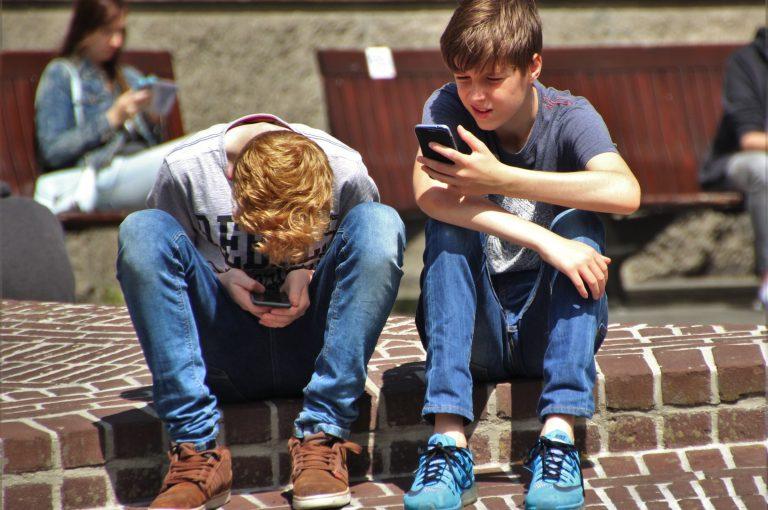 Interazioni_umane_smartphone